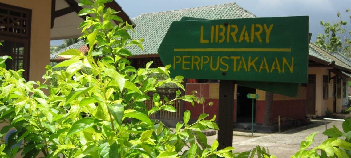 Liever Lombok in bibliotheekje op Lombok :)