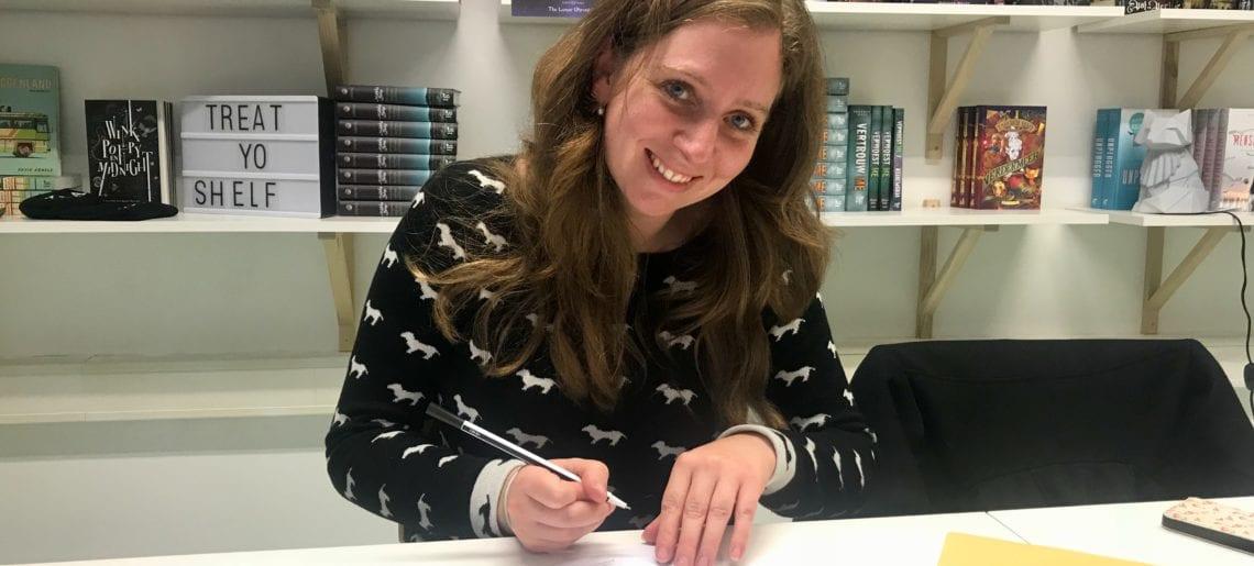 YA-boekcontract getekend bij Blossom Books!